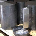 鉄の塊から一本一本生み出されるパター
